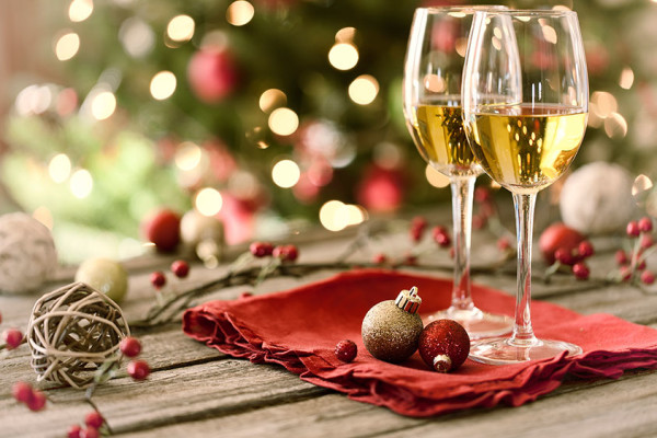 holiday_wine_tasting-600x400